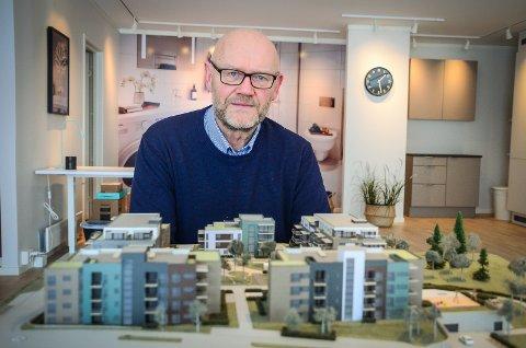SETTER I GANG: Carl Christian Birkeland og OBOS starter salget av de 35 første leilighetene for boligområdet de kaller Brekketunet.