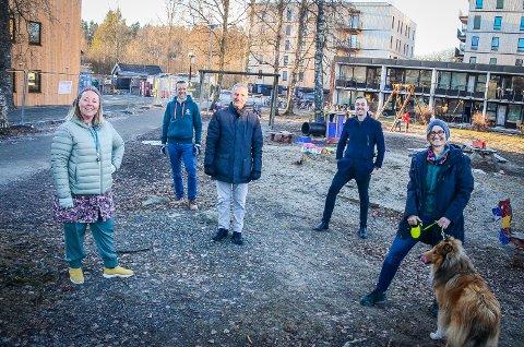 F.V: Maria Therese Jensen (V), Olav Fjeld Kraugerud (V), Paul Bolus Johansen (KrF), Edvin Søvik (Ap) og Kristine Lien Skog (SV).