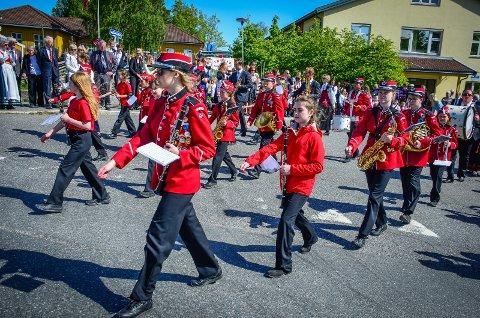 ØNSKER Å SPILLE: Nordby skolekorps ønsker å spille for folk på 17. mai, sier styreleder Hanne Erikstad. Det samme ønsker Ås jente- og guttekorps. Bildet er fra 2019.