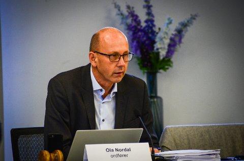 VIL HA OVER 90%: Ordfører Ola Nordal (Ap) håper at over 90 % av innbyggerne i Ås kommune skal bli fullvaksinerte. Foreløpig har 88% av innbyggerne over 18 år tatt minst en dose.