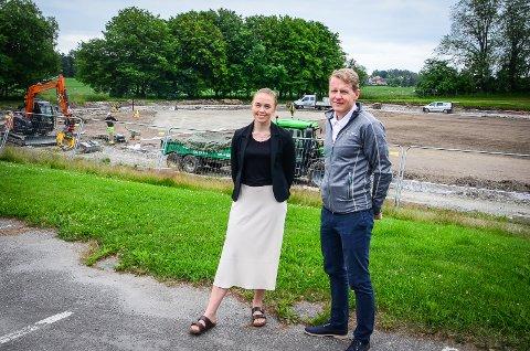 BETYR MYE: Studentene vil få et idrettsanlegg i toppklasse som også vil komme de andre innbyggerne i nærområdet til gode, sier Astrid Ludne i SiÅs og Lars Atle Holm hos NMBU om restaureringen av Storebrand.