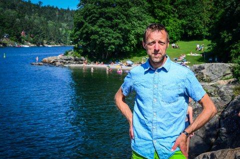 ØNSKER FLERE ENGASJERTE FORELDRE: - Vi som er foreldre bør engasjere oss i tiltak som Natteravnene for å gjøre områder som Breivoll bedre for alle, sier Olav Fjeld Kraugerud (V).
