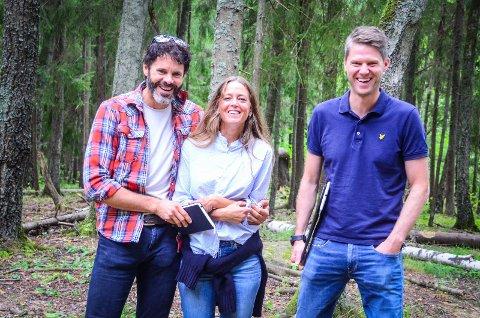 STORE PLANER PÅ ÅS: Anders Opsahl, Kristian Kinn og Katrine Holm mener at boligområdet de har skissert i Vollskogen kan bli både unikt og positivt fro hele Ås.