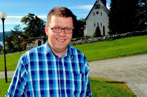 Kandidat: Jon N. Eikrem (V).