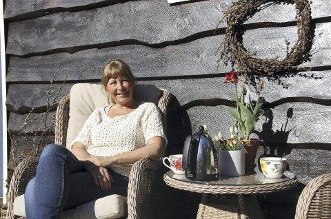 Solveggen: Hilde Pape Bjørseth har laget seg et lite paradis på Grøa.
