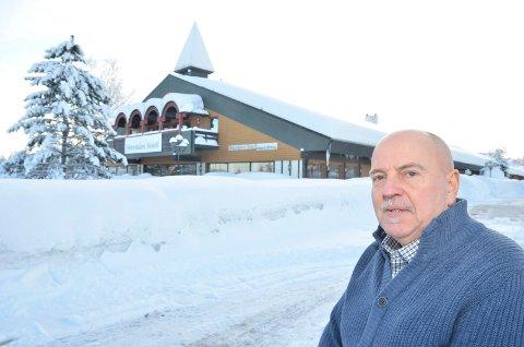 VIL SELGE: Tollak Skogland vil selge  Østerdalen hotell utenfor Rena. Pris: 13 millioner kroner.