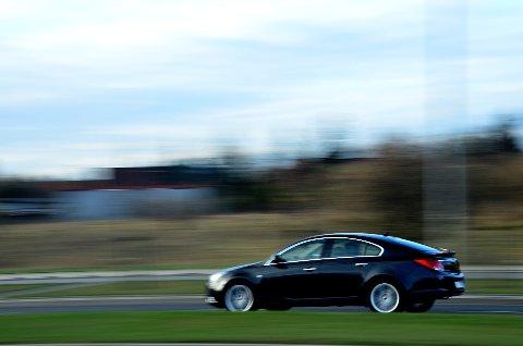 Flere i Gjerstad er bekymret for råkjøring blant ungdom og unge voksne. Flere har observert biler i høy hastighet i områder der fartsgrensen er langt under det de faktisk kjører.