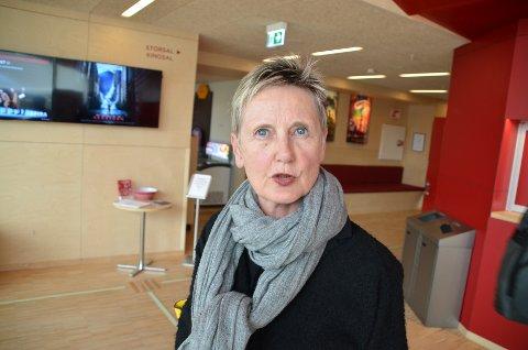 FERJEAVLØSNING: Fylkespolitiker Randi Øverland (Ap) etterlyser en løsning med nok ferjeavløsnings-penger fra staten for å få Hidra landfast.