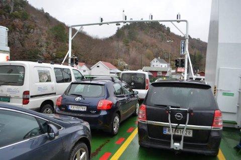 Hidra Velforening ber fylkespolitikerne om å starte forberedelser for fremtidig fastlandsforbindelse.