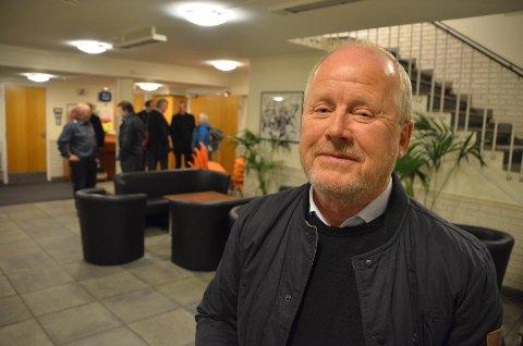 GRUNDIG GJENNOMGANG: Ingeniør Ring Veisdal har på eget initiativ gått grundig gjennom dokumentene i saken om broalternativer til Hidra. Han mener hemmeligholdelse av kalkyler er sterkt kritikkverdig.