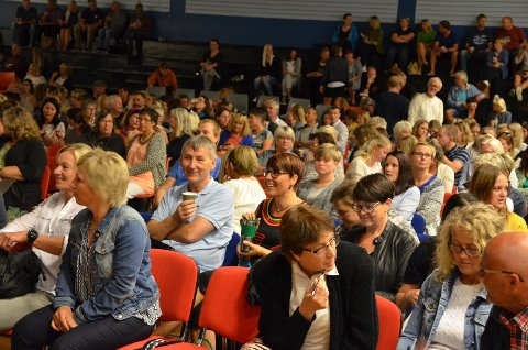 IKKE FØRSTE GANG: Også høsten 2016 arrangerte Flekkefjord kommune en stor skolekonferanse i Ueneshallen. Denne gang er det enda flere deltagere.