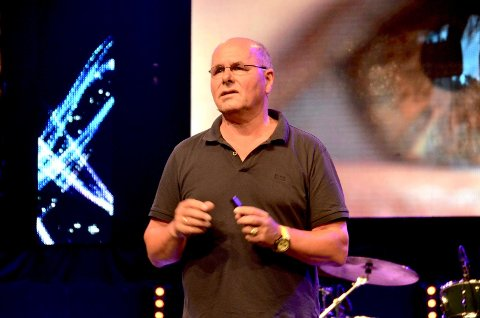 SELVOPPTATTHET: TV-pastor Egil Svartdahl talte om selvopptatthet under møte i Sarons Dal lørdag.