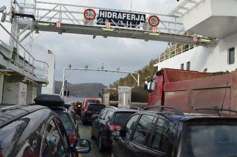 *** Local Caption *** tungtrafikk, fylkesvei, Fylkesvei 469 til Abelnes og Hidra, veien til Hidraferja