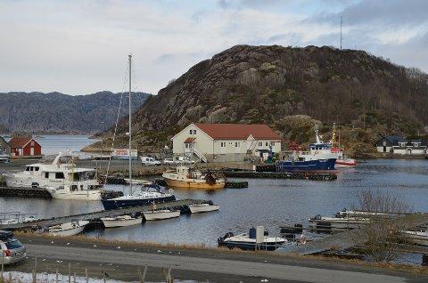 Fiskerihavna i Kirkehamn er viktig både for fiskerinæringen og turistnæringen på Hidra.