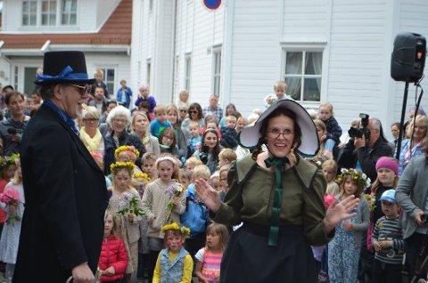 SPENNENDE HISTORIER: Tante Grønn og onkel Blå var et populært innslag i Fjellgaten i Hollenderbyen for noen år siden. Et nytt prosjekt er planlagt denne gangen en rekke småfilmer for sosiale medier. Foto: Svein Løvland (arkivfoto)