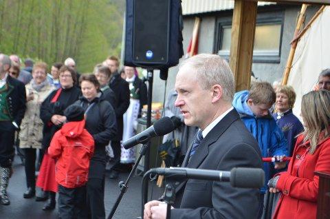 REKTOR: Rektor Svein Harald Olsen på et tidligere 17.mai-arrangement på Hidra skole.