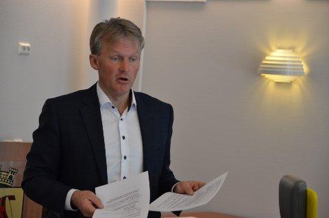 MÅ SPARE MER: Rådmann Bernhard Nilsen er fornøyd med fjorårsresultatet til Flekkefjord kommune, men han slår fast at det er en utfordrende fremtid med planlagte innsparinger i tillegg til koronakonsekvenser som store tap av skatteinntekter.