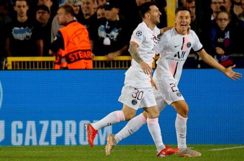 MESSI: PSG's Ander Herrera feirer med Lionel Messi etter scoring mot Club Brugge.