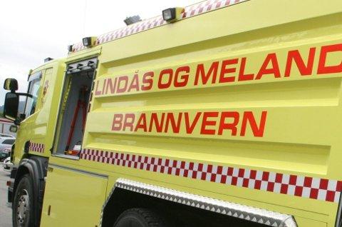 Lindås og Meland brann og redning måtte rykke ut til ein kjøkkenbrann i Alversund onsdag formiddag. Arkivfoto