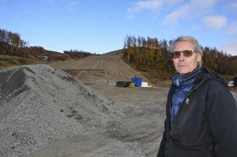 NY HEIS: Her bygges det ny skiheis og nedfart i Hemavan. Anlegget ligger øst for Fjällhotellet og vil bli et viktig tilbud til alle som har hytte eller campingvogn i dette området. Foto: Trond Isaksen