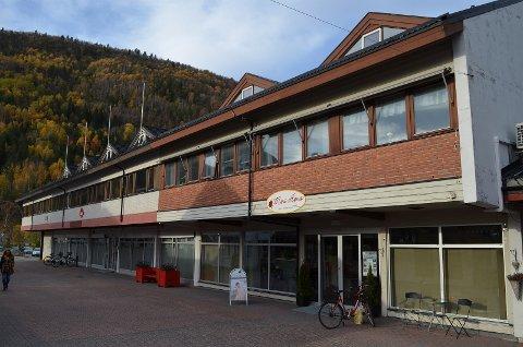 Konkurs: Sentrumseiendommen har nå et ledig butikklokale i bygningen, hvor den tidligere butikken til Sissel Mary Kristensen (56) holdt til.