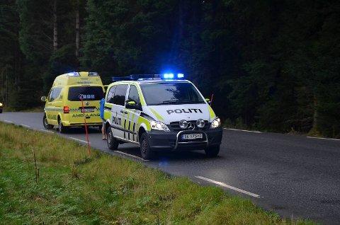 Både politi og ambulanse rykket ut.