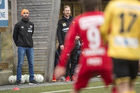 Os-trener Hassan El Fakiri tapte mot gamleklubben.