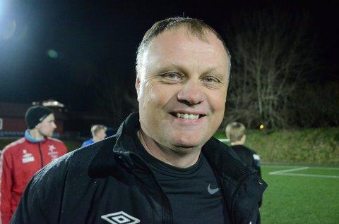 Gir ros: Mastratrener Bjarne Aske (bildet) roser Mastraspiller Leif Halvor Torsen etter innsatsen mot VBK 2 mandag kveld.
