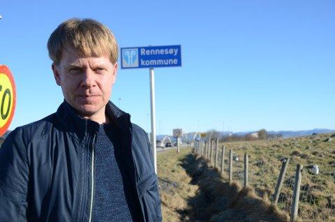 Viktig symbolsak: Ved midnatt nyttårsaften blir det tre færre kommuner i Sør-Rogaland, deriblant Rennesøy, som blir en del av Nye Stavanger. Jostein Eiane mener at felles fyrverkeri er samfunnsnyttig fornuftig fordi det blant annet synliggjør at alle blir behandlet likt i den nye kommunen.