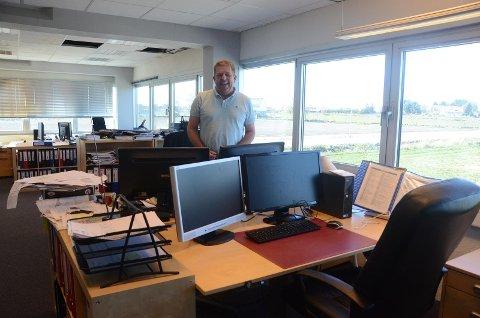Frank Lavik og hans ansatte konsulenter hjelper andre med blant annet byggesaker fra andre etasje i Randabergveien 333. Det har de gjort i 10 år, og bedriften kan ferie sine første 20 år i 2020.