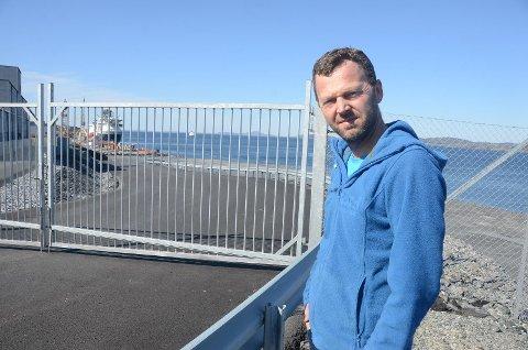 Jarle Bø i Randaberg Senterparti er glad for enigheten om eierskap til ny steinfylling som kommer i Mekjarvik som følge av Rogfast-utbyggingen.