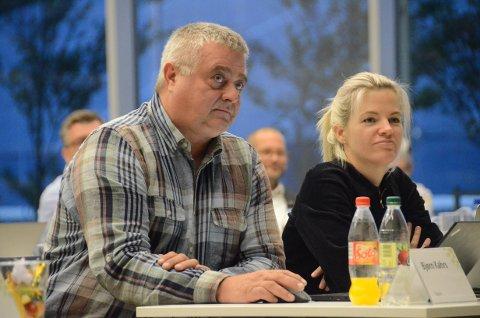 Uenig: Høyre ved blant annet Bjørn Kahrs og Renate Kolnes mente Frp opptrådte populistisk med sin interpellasjon i kommunestyret, og som de stemte mot.