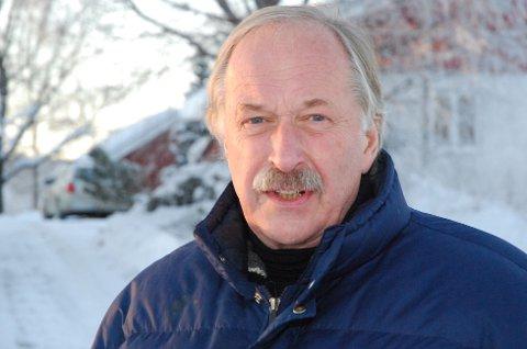 STÅR PÅ: 72 år er ingen alder, mener Johan Kaggestad. Nå har han signert nyt kommentatorkontrakt med TV 2 ut 2017.