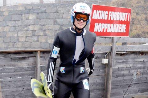 KOSTE SEG: Daniel Andre Tande fra Kongsberg koste seg på trening i kjente omgivelser, og omtaler K105-bakken i Vikersund som Norges beste.