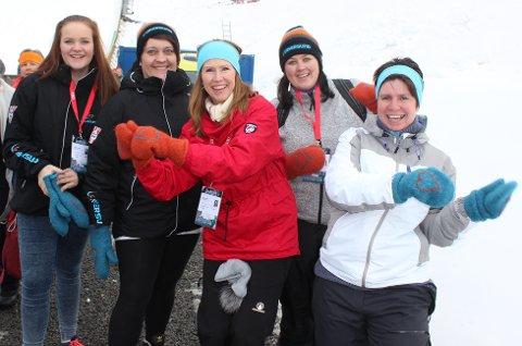 SPREKE DAMER: Iselin Strøm, Anikken Wetterstad, Kari Skretteberg, Mariann Åsheim og Lena Kristiansen. Foto: Eli Bondlid