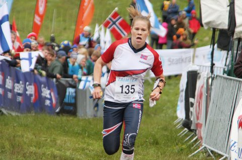 Heidi Mårtensson vekslet først etter den første etappen på stafetten i junior-VM, men Norges andrelag endte til slutt opp med en bronsemedalje.