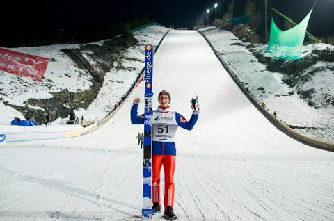 AVDEMPET JUBEL: Anders Fannemel var svært fornøyd med verdensrekord i Vikersund sist vinter, men 251,5 meter var ikke nok til å sikre arrangørene overskudd.
