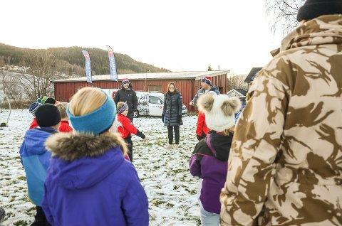 FIKK PENGER: Barna på Vikerkleiva var blant mange som fikk penger av Kirsten Wassend og Ole Gunnar Fidjestøl i Sparebank 1 Modum.