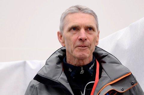 RENNLEDER: Tidligere verdensmester i skiflyging, Ole Gunnar Fidjestøl, vil ikke stoppe Maren Lundby fra å sette utfor Vikersundbakken.