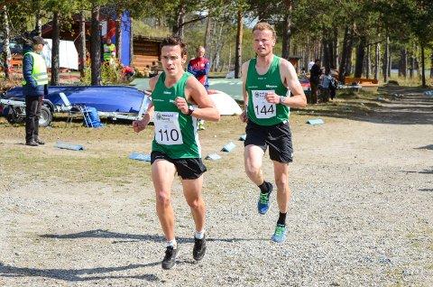LØPER IKKE: Ronny Losoa (foran) vil ikke løpe for Modum, men alltid trofaste Øyvind Wiger stiller i Holmenkollstafetten.