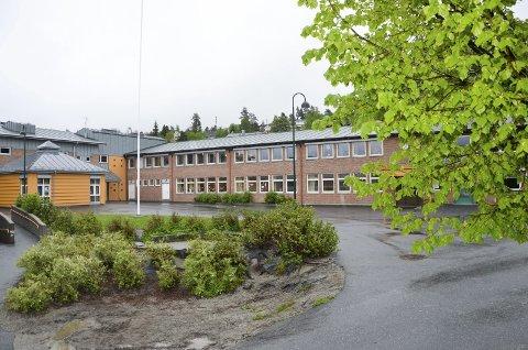 TUNGE POSTER: Grunnskole er noe av det Modum skårer dårligst på i kommunebarometeret. Kommunen ligger på 350. plass på skole. Også sosialtjeneste og pleie og omsorg ligger Modum dårlig an på.ILLUSTRASJONSFOTO