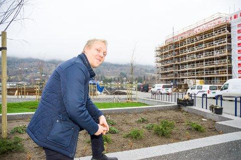 GÅR UNNA: Salget i Fjordbyen Atrium har fått et løft etter at Vikersunds andre store leilighetsprosjekt – Strandpromenaden – sto klart.