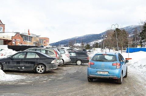 TRANGT: Det er for tiden svørt trangt om plassen ved Vikersund Nærsenter.