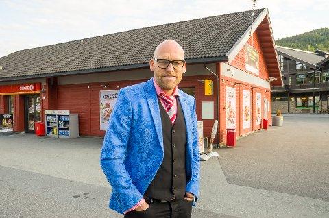 LEIT: Stig Rune Kroken, som er rådmann i Krødsherad, synes det er leit at Circle K stenger butikken sin på Noresund.