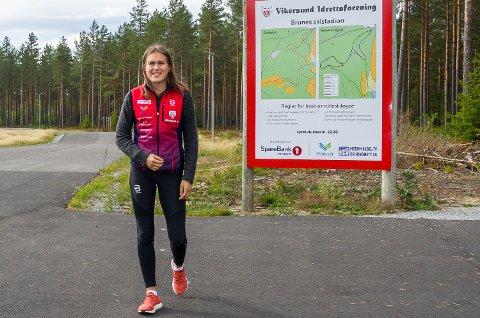 SATSER HARDT: Agnes Irene Longfjeld satser for fullt som langrennsløper, men må slite fire uker med brudd i albuen.