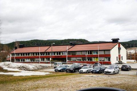 KARANTENE: Ett klassetrinn ved Sigdal ungdomsskole i Prestfoss er satt i ventekarantene etter at to av elevene har vært i  nærkontakt med et smittetilfelle i en annen kommune.