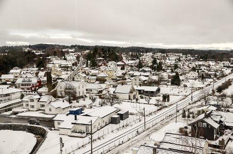 GJENTATTE TYVERIER: Den siste tiden har tyver lagt sin elsk på dette området i Sand i Vikersund. En person har innrømmet flere av tyveriene, men politiet har også andre mistenkte i kikkerten.