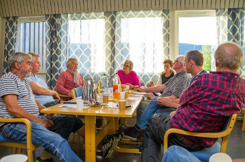 GRUPPEARBEID: Denne gjengen jobber med innspill til ny kommuneplan i Krødsherad.