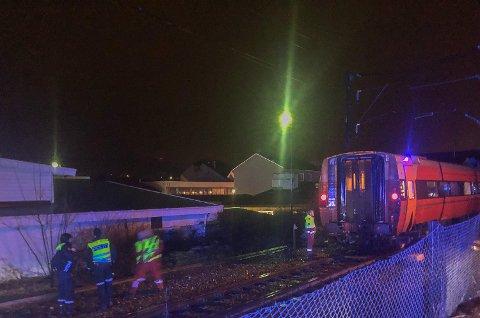 VITNER: Politiet etterlyser fortsatt vitner etter dødsulykken i Vikersund tirsdag kveld.