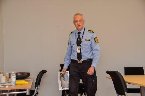 ØNSKER TIPS: Etterforskningsleder Bent Øye ønsker fortsatt tips etter påkjørselen i Åmot forrige fredag.